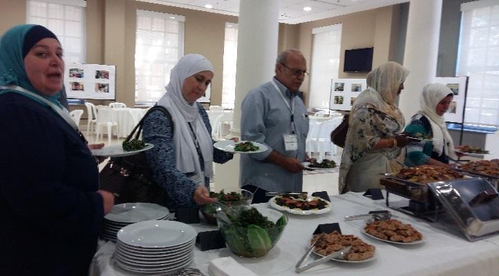 استراحة الغداء خلال ورشة عمل دعم - الغذاء أعدته مؤسسة التراث الغذائي
